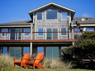 Ocean Front Home on a Sandy Beach Sleeps up to 18! FREE NIGHT! - Waldport vacation rentals