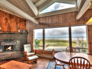 Ocean Front Cottage on a Sandy Beach! FREE NIGHT! - Yachats vacation rentals