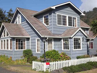 Yachats Landmark Home with Ocean View! FREE NIGHT! - Yachats vacation rentals
