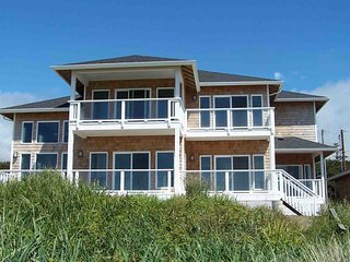 Modern Ocean Front Home on a Sandy Beach! Hot Tub & Game Room! - Waldport vacation rentals