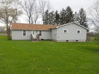 Perfect 3 bedroom Penn Yan House with A/C - Penn Yan vacation rentals