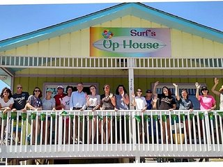 Surf's Up Beach House is conveniently located and sleeps 3-16 guests comfortably - Gulf Shores vacation rentals