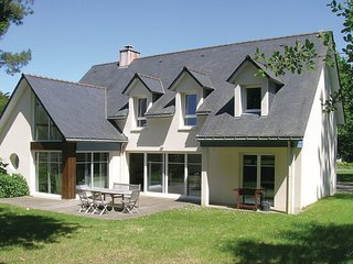 5 bedroom Villa in Quimiac, Loire Atlantique, France : ref 2220441 - Mesquer-Quimiac vacation rentals