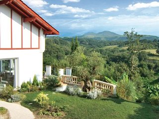 2 bedroom Villa in Saint Pee Sur Nivelle, Pyrenees Atlantiques, France : ref - Souraide vacation rentals