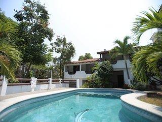 Beach & town casita 3 bedrooms - Zihuatanejo vacation rentals