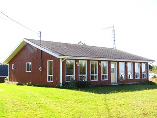 Grandview Cottage,  3 bedrooms, Beach 10 Km from Summerside - Miscouche vacation rentals