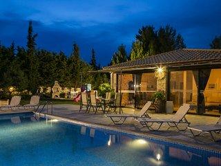 2 bedroom Villa in Trapezaki, Kefalonia, Greece : ref 2290415 - Vlachata vacation rentals