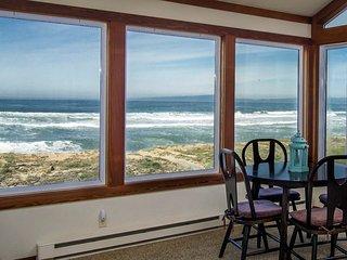 Oceanfront Beach House + 2 Free Monterey Bay Aquarium Tickets - Moss Landing vacation rentals