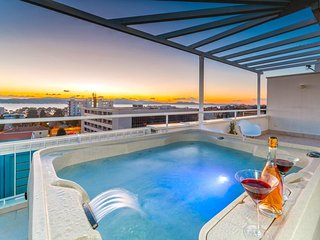 Penthouse apartment Sunset with hot tub and private garage - Zadar vacation rentals