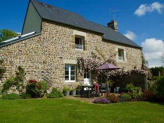 Maison du Pêcheur, charme, jardin 2000 m2, calme, wifi, Baby - Villedieu-les-Poeles vacation rentals
