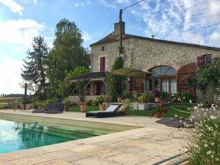 Large Luxury Farmhouse accommodation with gorgeous views - St Pierre Sur Dropt vacation rentals