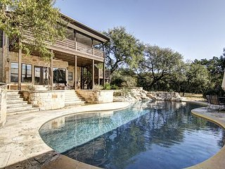 Bear Creek Modern - Hill Country - POOL! 4br/2.5ba on 5 Acres - Driftwood vacation rentals