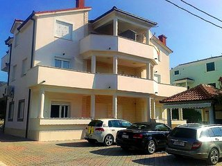 Two bedroom apartment (4+2) - East - Kastel Stafilic vacation rentals
