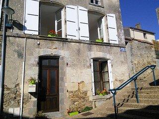 Maison 2 Chambres, 30mn du Puy du Fou et Marais Poitevin - La Châtaigneraie vacation rentals