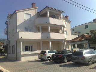 Two bedroom apartment (4+2) - West - Kastel Stafilic vacation rentals