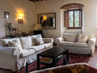 Chianti Rufina apartment. Stay in the country, close to Florence! - Pelago vacation rentals