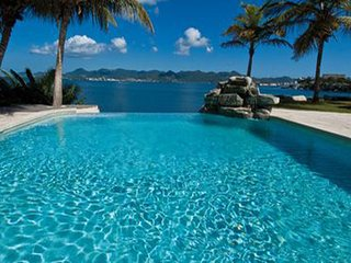 C'EST LA VUE...a peaceful, 6 BR lagoon front villa with private beach! - Terres Basses vacation rentals