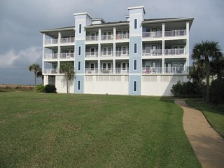 Beach Front - Gulf & Bay Views - Decks - Trails - Beach Club - Pools - Spas -Gym - Galveston vacation rentals