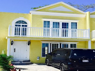 BEAUTIFUL BEACH SIDE 2 BEDROOM TOWNHOUSE IN NEGRIL JAMAICA - Negril vacation rentals