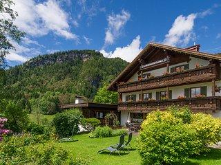 Gschwenderhaus - Ferienwohnungen - Tiefenbach vacation rentals