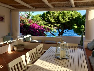 Charme in centro di fronte al mare 8 posti - Santa Marina Salina vacation rentals