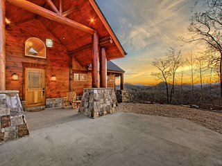 Luxury, Long Range Mountain Views Clayton, GA - Clayton vacation rentals