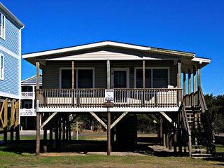 3 bedroom House with Water Views in Oak Island - Oak Island vacation rentals
