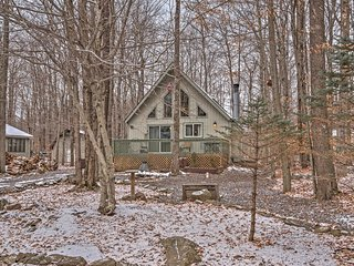 NEW! 2BR Pocono Lake Chalet in Gated Community! - Pocono Lake vacation rentals