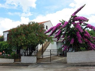 2 bedroom Apartment with Internet Access in Supetar - Supetar vacation rentals