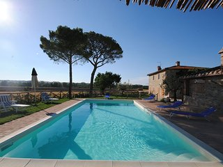 Bright House with Internet Access and Shared Outdoor Pool - Tadjoura vacation rentals