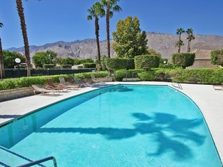 2 bedroom Condo with Internet Access in Palm Springs - Palm Springs vacation rentals