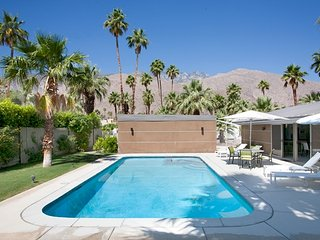 Twin Palms Midcentury Retreat - Palm Springs vacation rentals
