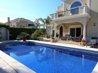 Casa Maureena Quinta do Mar  - Charming 4 bedroom Villa - Almancil vacation rentals