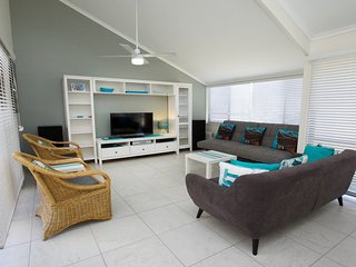 Perfect House with Television and DVD Player - Currimundi vacation rentals