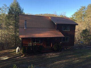 Two Bears Retreat-Great place for kids- close to Ocoee rafting and Toccoa river! - McCaysville vacation rentals