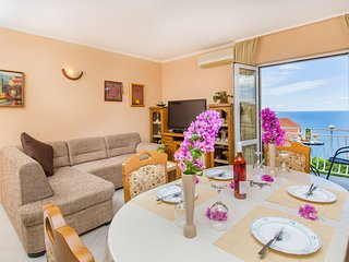 2 bedroom Apartment with Internet Access in Mlini - Mlini vacation rentals