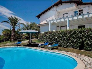 5 bedroom Villa with Internet Access in Priora - Priora vacation rentals
