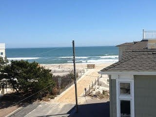 1 Queen BRM, 2 Twins 2nd BR, Den Futon, Beaut. Clean EIK Condo 2 Houses to Beach - Long Beach Township vacation rentals