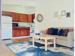 Spacious 2 bedroom flat close to subway, Free Cable/WiFi, Fully furnished - Riverdale vacation rentals