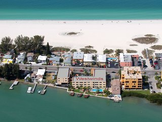 "Westwinds ""Martinique"" 2 Bed 1Bath Condo w / 3 Docks - Treasure Island vacation rentals"