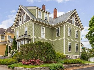 Welcome Home: Walk to Gloucester's historic harbor and beaches. - Gloucester vacation rentals