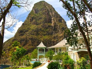 5 bedroom Villa with A/C in Soufriere - Soufriere vacation rentals