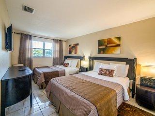 3BR CONDO-SUITE POOL BBQ GARDEN 10pers  SPECIAL ^7 - Hollywood vacation rentals