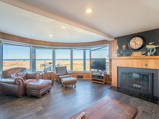 Beautiful oceanfront home just perfect for your family and canine companion! - Seaside vacation rentals