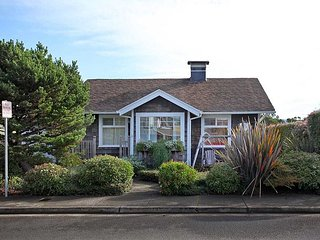 The perfect Seaside Cottage near the historic Saltworks in Seaside, Oregon! - Seaside vacation rentals