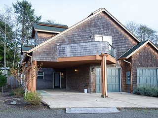 Time for family fun at this perfect family getaway in Rockaway Beach, Oregon! - Rockaway Beach vacation rentals