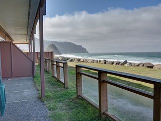 Beautiful oceanfront views from this beach condo in the heart of Neskowin! - Neskowin vacation rentals