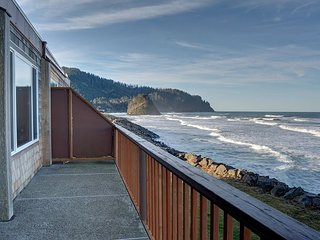 Experience Pacific sands from condo 21, w/ oceanfront views in Neskowin! - Neskowin vacation rentals