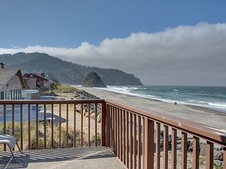 Relaxing & secluded pet friendly w/ sleeping for 8 and oceanfront views! - Neskowin vacation rentals