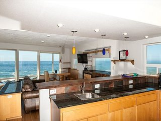 Amazing views from every room in this oceanfront pet friendly Yachats home! - Yachats vacation rentals